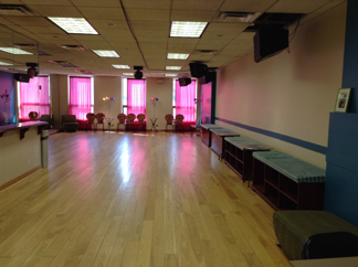Dance Studio Rental Space NYC for Auditions & Rehearsals in Manhattan - You Should Be Dancing...!'s Party Room